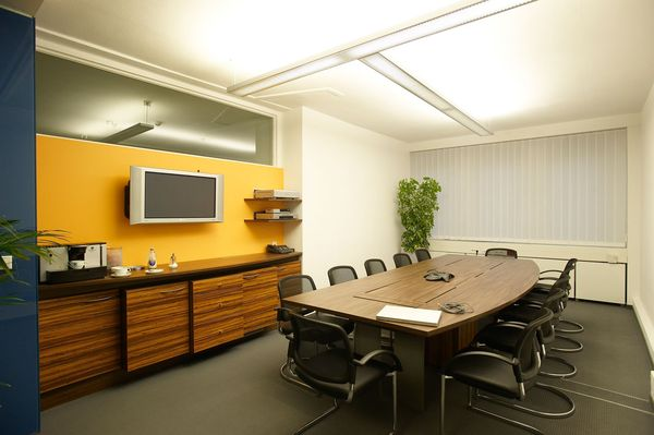 Büroeinrichtung Besprechungsraum