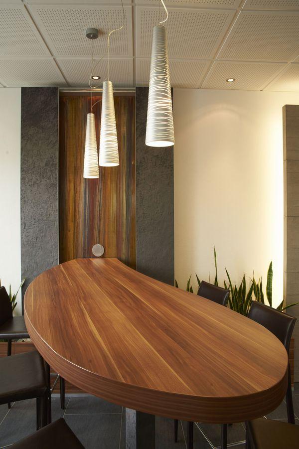 Wasserfallwand Empfang Bürogestaltung